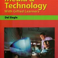 USING MEDIA &amp; TECHNOLOGY WITH GIFTED LEARNERS<br /><br />